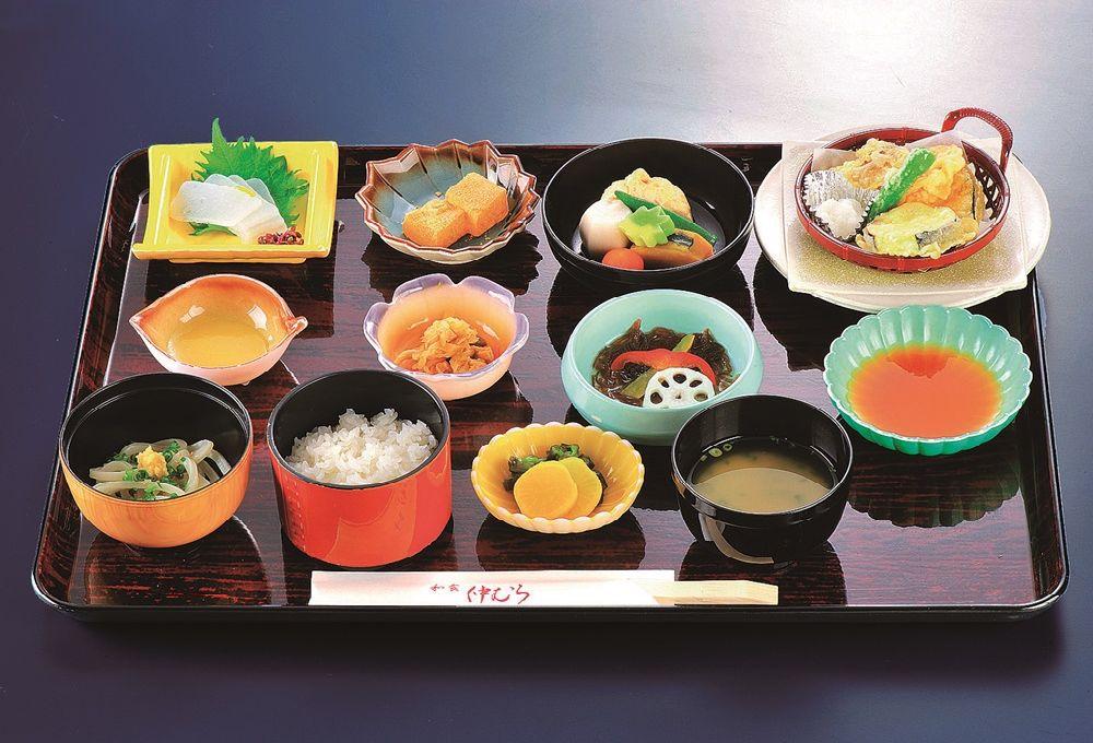 15.精進会席膳おとき¥2,160(仕出し)¥2,200(店内)